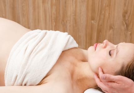 massage ayurvédique femme enciente